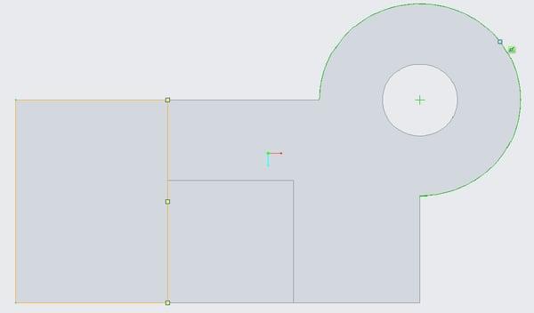 Creo Parametric 4.0のスケッチゃーで自動スナップした状態